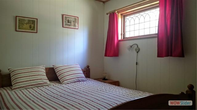 Schlafzimmer für 2 Personen ausgestattet